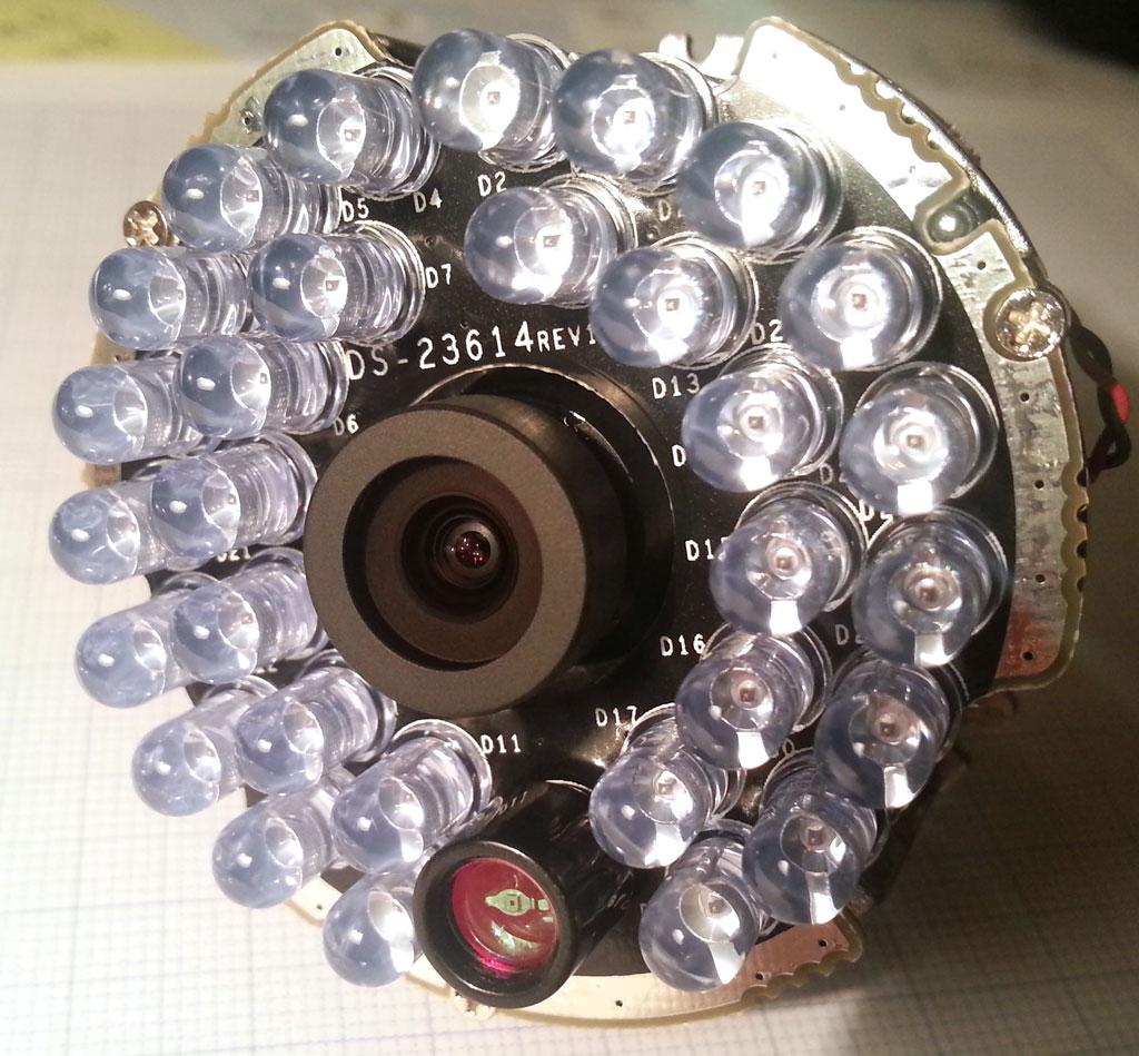 海康威视DS-2CD2032-I摄像头红外灯镜头