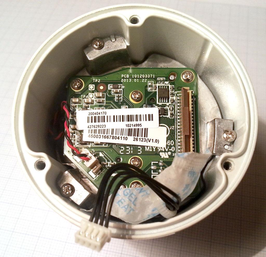 海康威视摄像头连接线绑着干燥剂